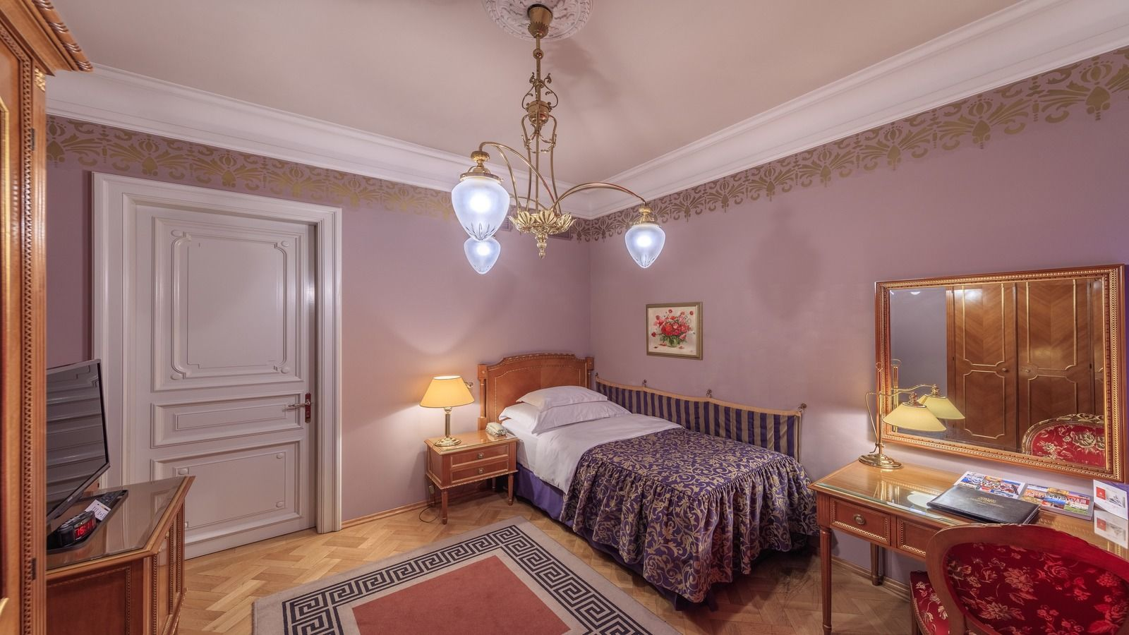 Standard single room Hotel National Moscow